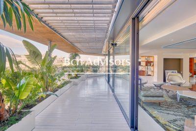 Impressive luxury penthouse with huge terrace in Paseo de Gracia