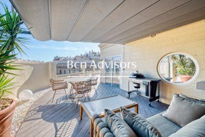Spectacular corner penthouse in Eixample
