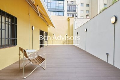 Beautiful brand new refurbished flat with large terrace in the centre of Barcelona